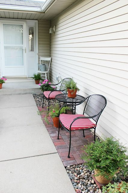 Hy At Home Tutorial How To Lay A Brick Patio Great Idea For Small Seating Area When You Don T Have Front Porch
