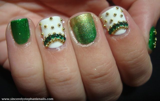 Sincerely Stephanie:gold and green nail art