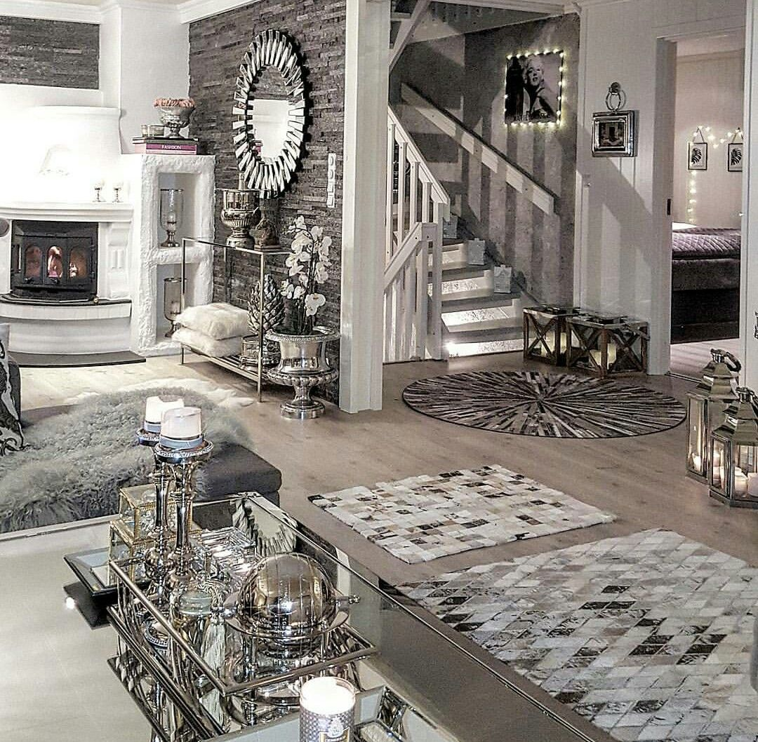 ... Set Up With Grey, Taupe, Slate, White, Light Brown Hardwoods, And Slate  Colored Low Shag Carpet With Mirrors And Mirrored Decorations Throughout.