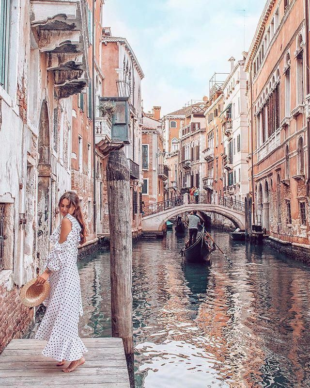 Wonderful place😍 Double tap and comment if you love it🥰 ________________________________________ L o c a t i o n :- Venice - Italy 🇮🇹 📸 @takeoffwithlove . . Get inspired by: @dreamstravel_official . . . . . #beautifulplaces #picoftheday #beautifulnature #beautifulplace #naturelover #nature #italy #travel #landscape #naturephotography #travelphotography #naturelovers #travelgram #landscapephotography #love #instatravel #landscapes #ph