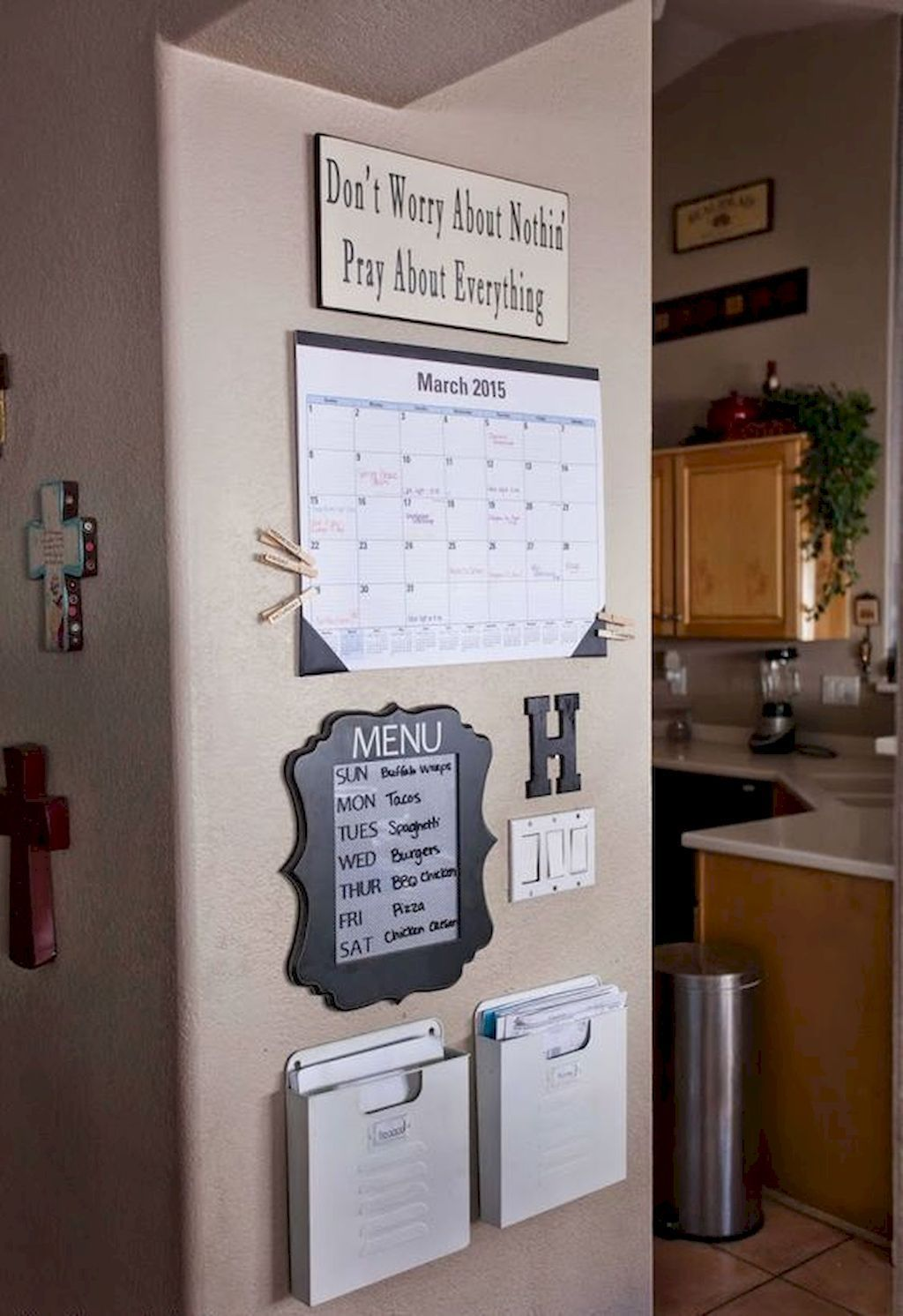 Diy family command center ideas on a budget 30 command - Small home decor ideas ...
