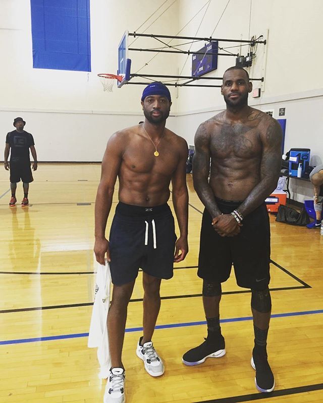 Dwyane Wade Workout: Dwyane Wade & LeBron James.