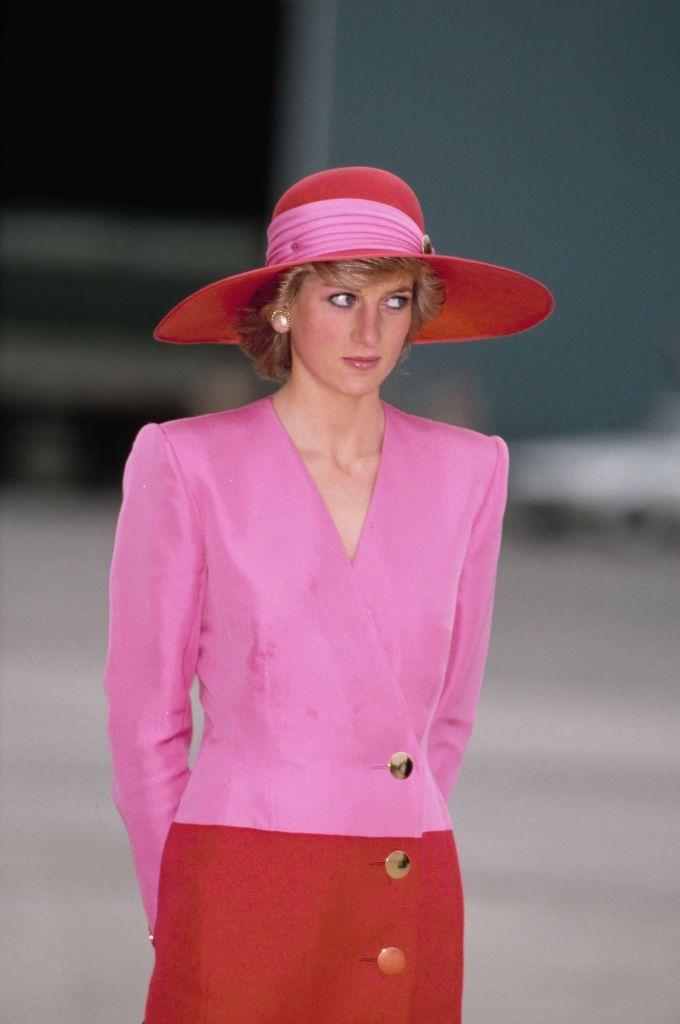 L'effetto Lady Diana continua a travolgerci e sarà il protagonista della moda dell'Autunno Inverno