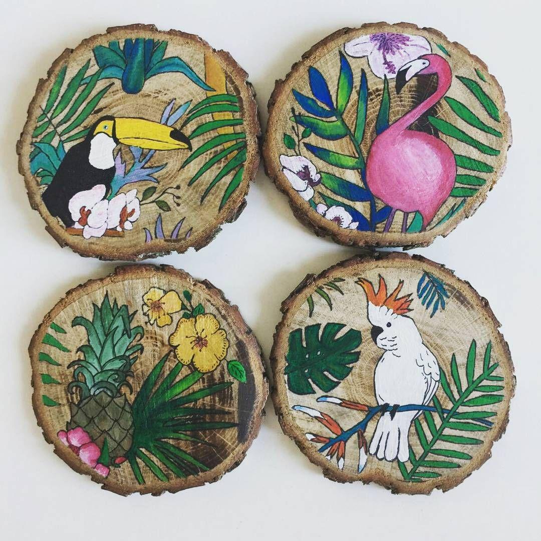 Tropical Coasters#pinmania #woodslice #handmade #tropical #pattern #flamingo #toucan #bird #cockatoo #pineapple #coaster #leaves #bardakaltligi #handmadewithlove #design #elyapimi #bardakaltligi #tropikal #ananas #surfacepattern #tropicalpattern