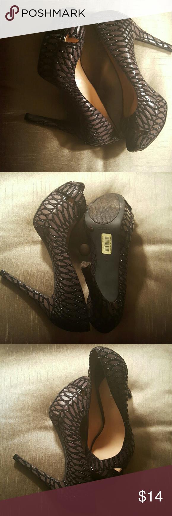 Gianni Bini Black & Brown Heels Gianni Bini Black & Brown Heels. Gently worn. Good condition. Giani Bernini Shoes Heels