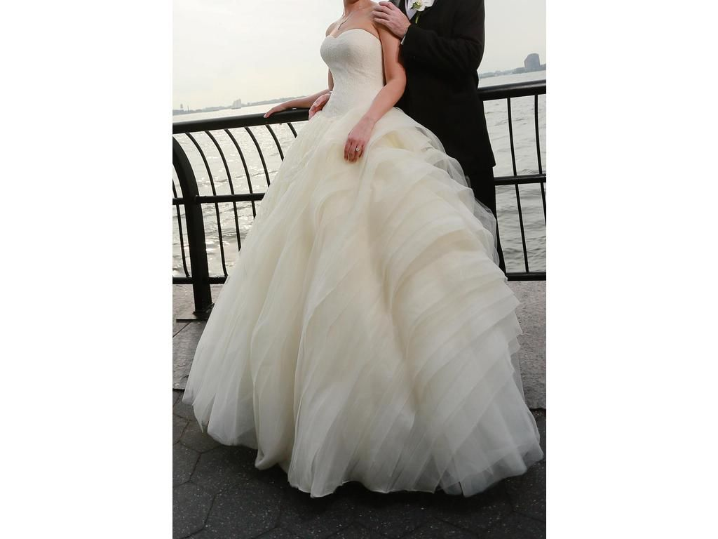 Used vera wang wedding dress  Allure Bridals   Size   New Altered Wedding Dresses