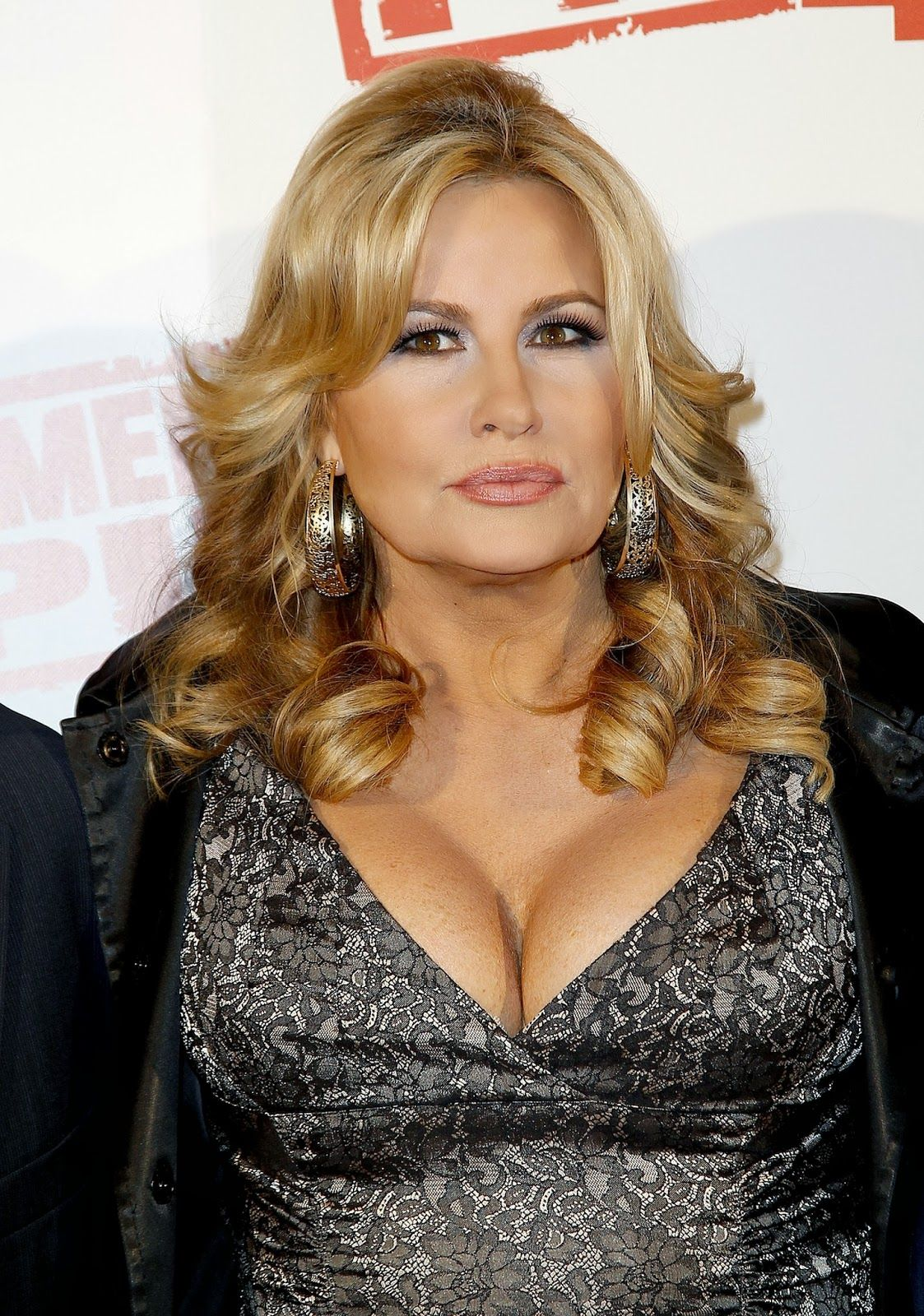 Jennifer Coolidge Nude Photos 38