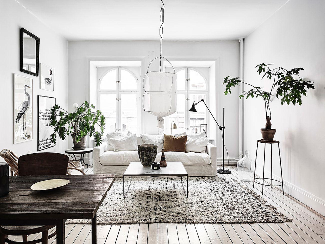 15 trucchi per far sembrare pi grande una stanza living for Salotti bianchi