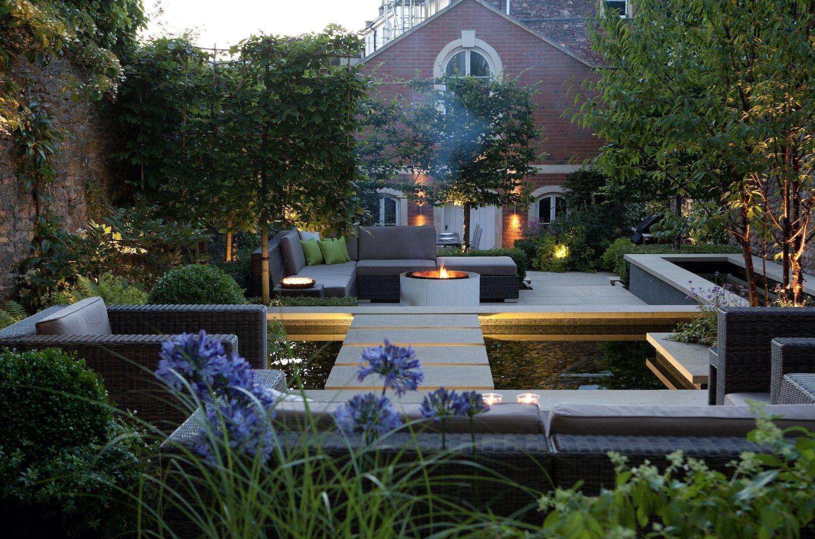 Winner Of The Sgd People S Choice Award 2016 Karena Batstone Msgd Townhouse Garden Garden Architecture Urban Garden