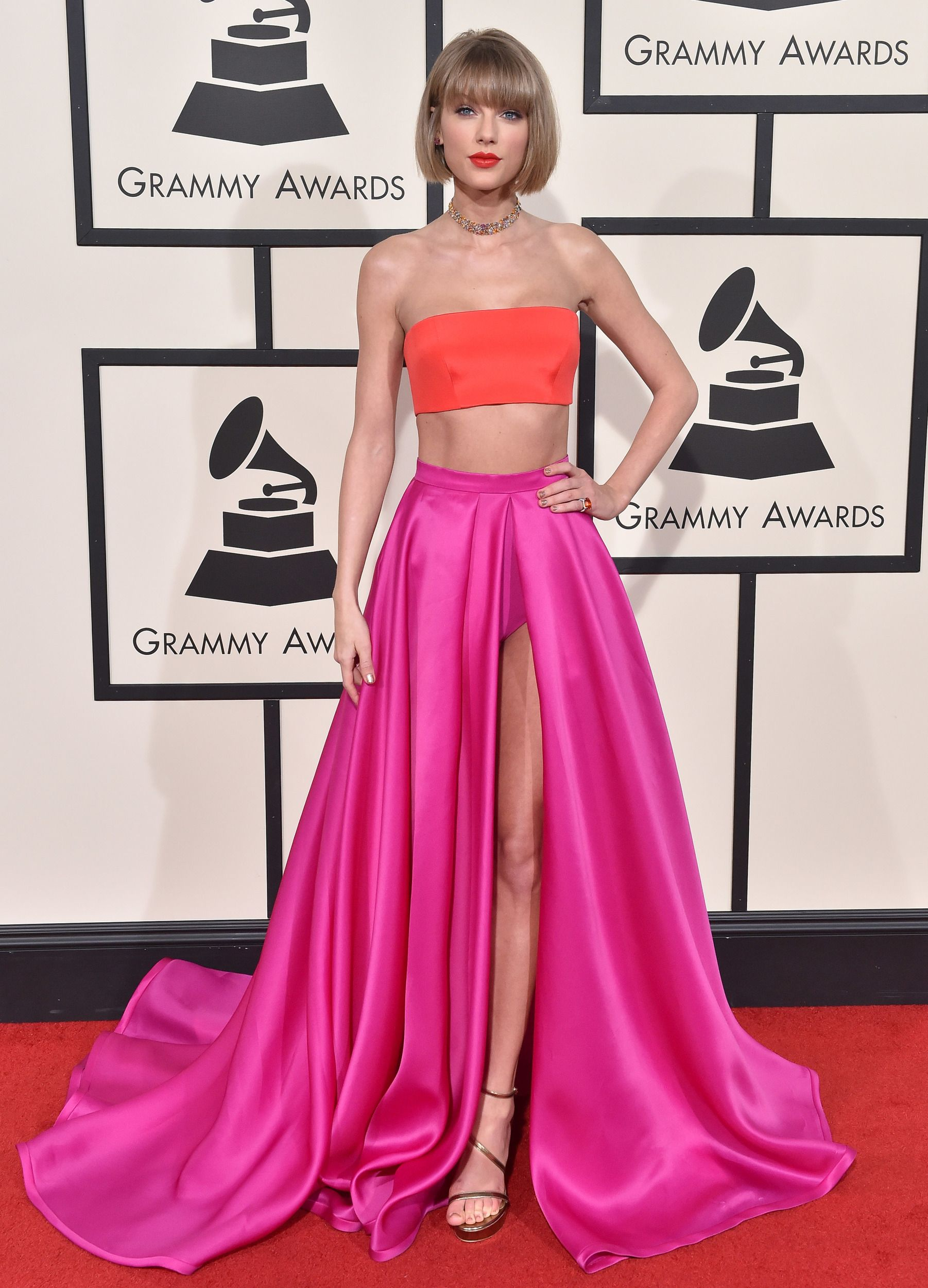 5bc481e62b 30 of the most stunningly beautiful Grammys looks of all time in ...