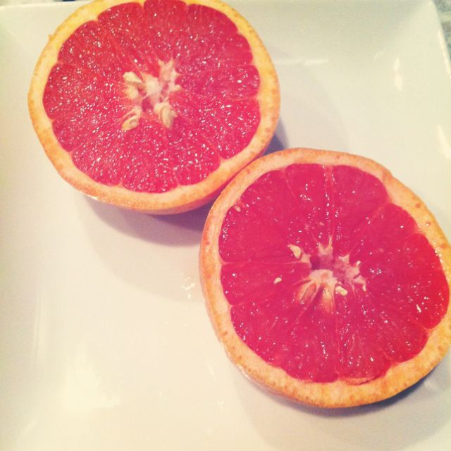 Grapefruit for breakfast, delish. And such an easy weigh to drop the lbs while eating healty