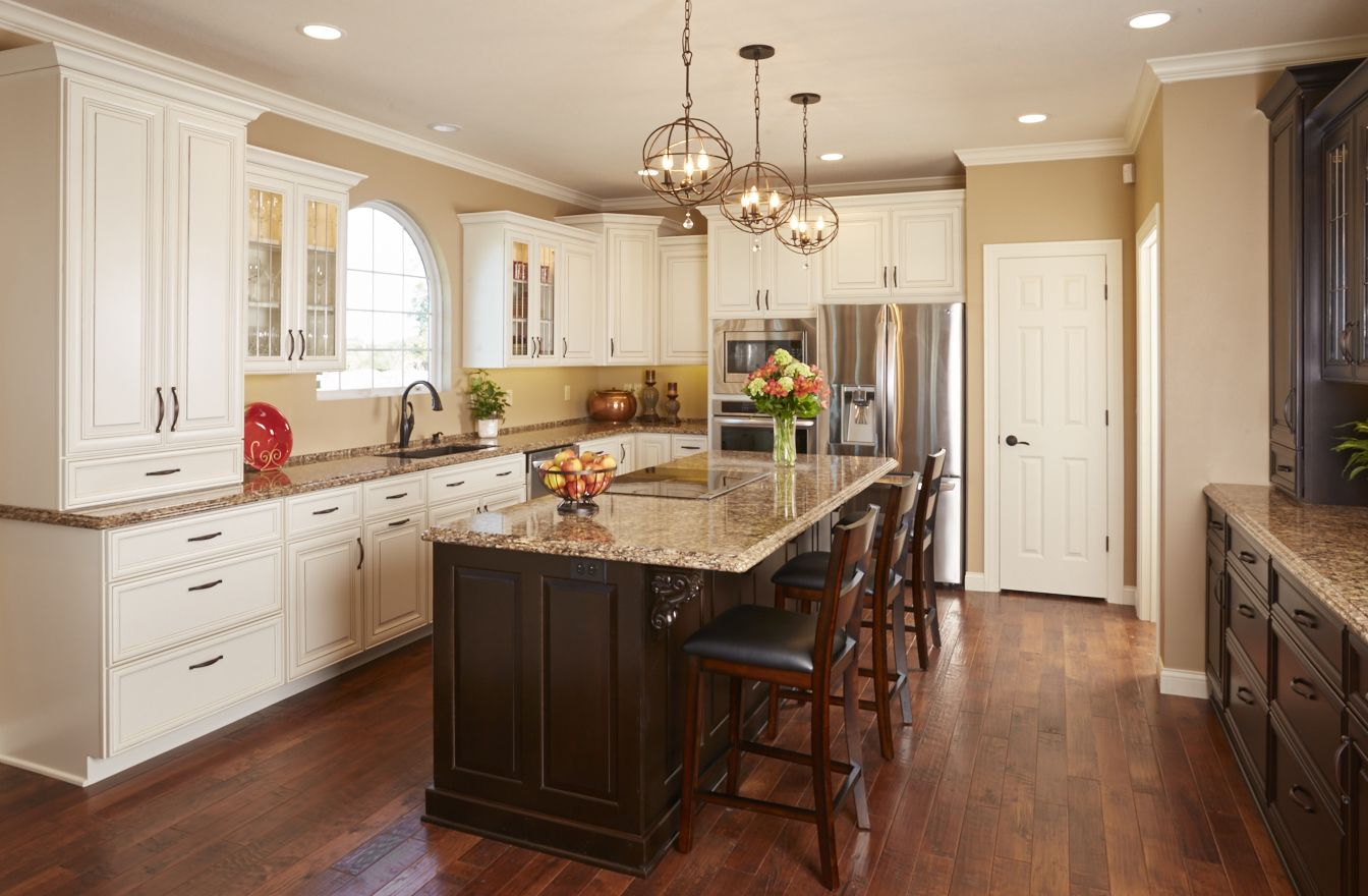 Traditional kitchen seattle by canyon creek cabinet company - Traditional Kitchen Cabinets From Breeze By Woodharbor Custom Cabinetry Features Atlantic Door Style In Cherry