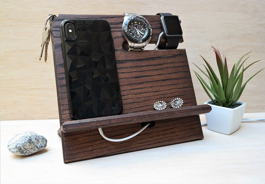 Universal Docking Station finished in Kona brown with an