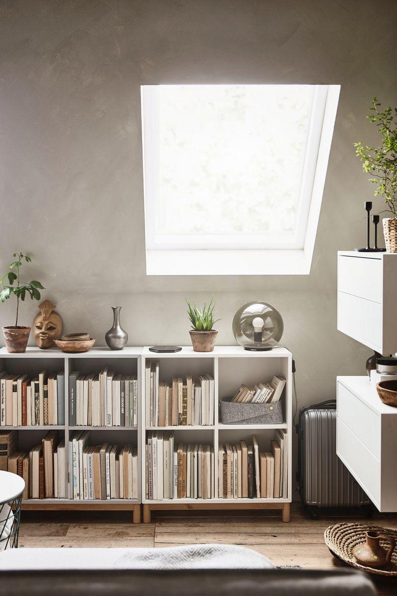 Eket Schrankkombination Untergestell Weiss Hier Bestellen Ikea Deutschland Zimmer Mit Dachschrage Einrichten Dachschrage Einrichten Ikea Bucherschrank