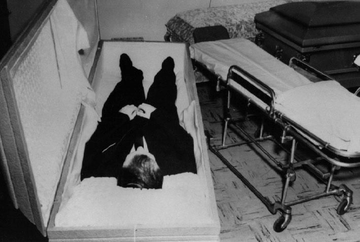 Celebrity Autopsy Shockers: Mysteries From The Morgue ...