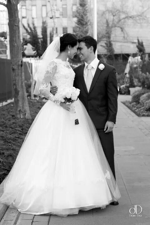 Vestido de Novia Andrea Nathalia Haute Couture  Fotografia por Dianne Diaz   #hautecouture #altacostura #couture #weddingdress #weddingphotography  #makeup #luxury #lujo #exclusivo #fino #elite #bohemiandesign #bridals #memberofthechurchofjesuschristoflatterdaysaints #novia #ldsweddings #quality #lace #ldsstyle #silk #lovemyjob #instaweddings #2014 #diannediaz
