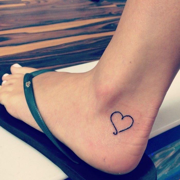 Tattoo Knochel 65 Tatowierungen Die Auf Sich Andeuten Und Eine