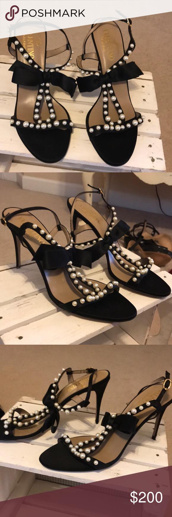 Valentino Garavani Pearl And Black Heels W Bow These Are