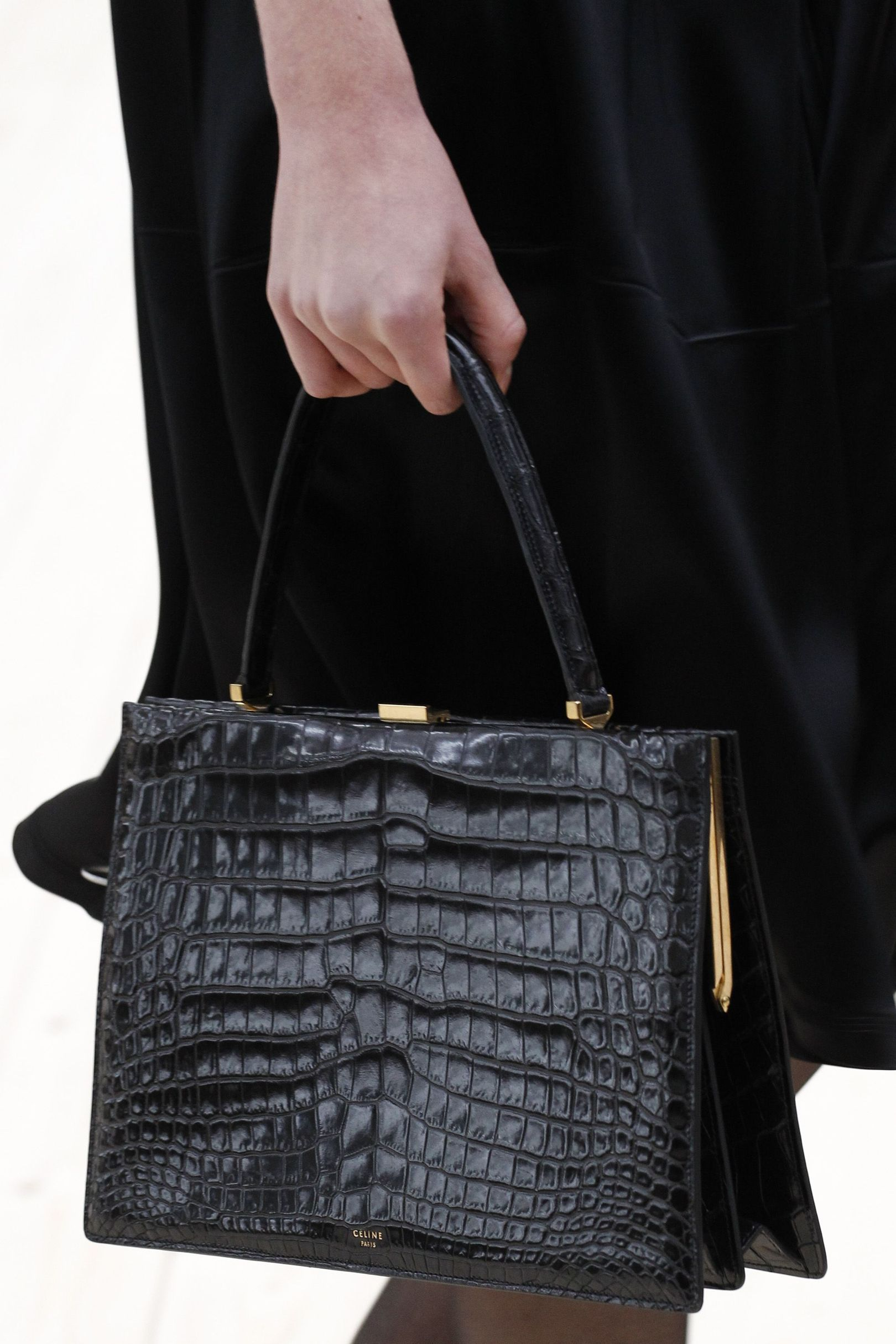 f8f2d1fa28 Vogue s Ultimate Spring Summer 2017 Bags Trend Guide