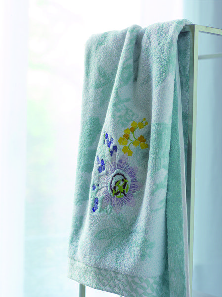 Bath Linens Ailleurs Design By Yvesdelorme Mintgreen Tropicalprint Linge De Bain