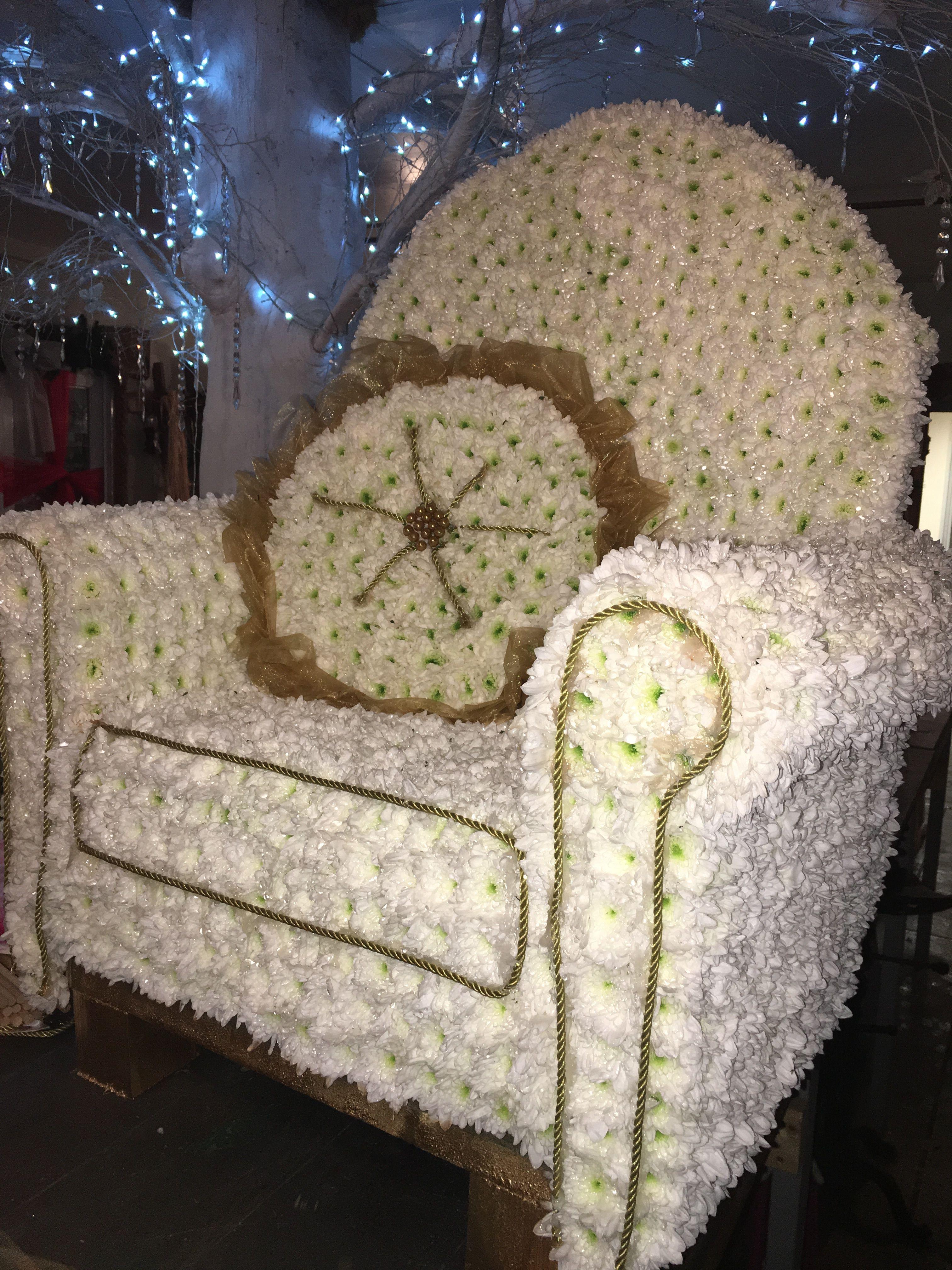 Vacant chair funeral flower tribute armchair funeral flower tribute vacant chair funeral flower tribute armchair funeral flower tribute bespoke funeral flowers thefloralartstudio izmirmasajfo