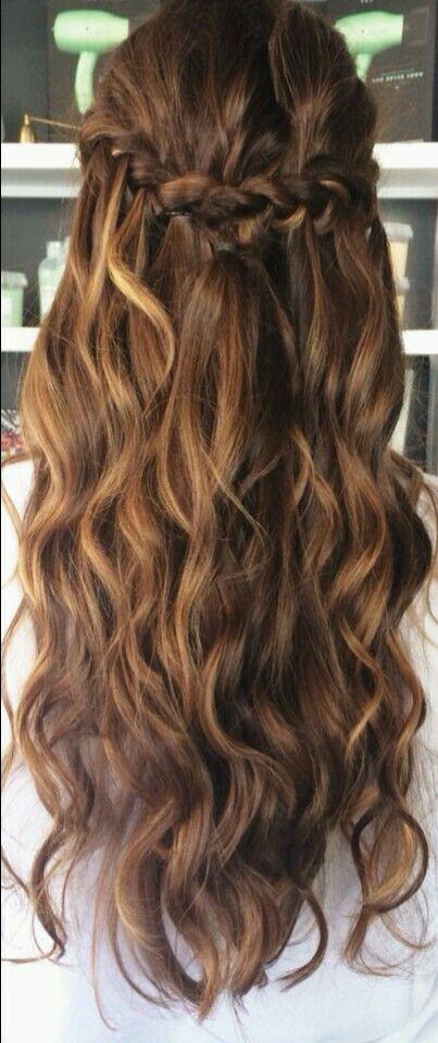 Balayage half up wavy hair with braid #gorgeoushair
