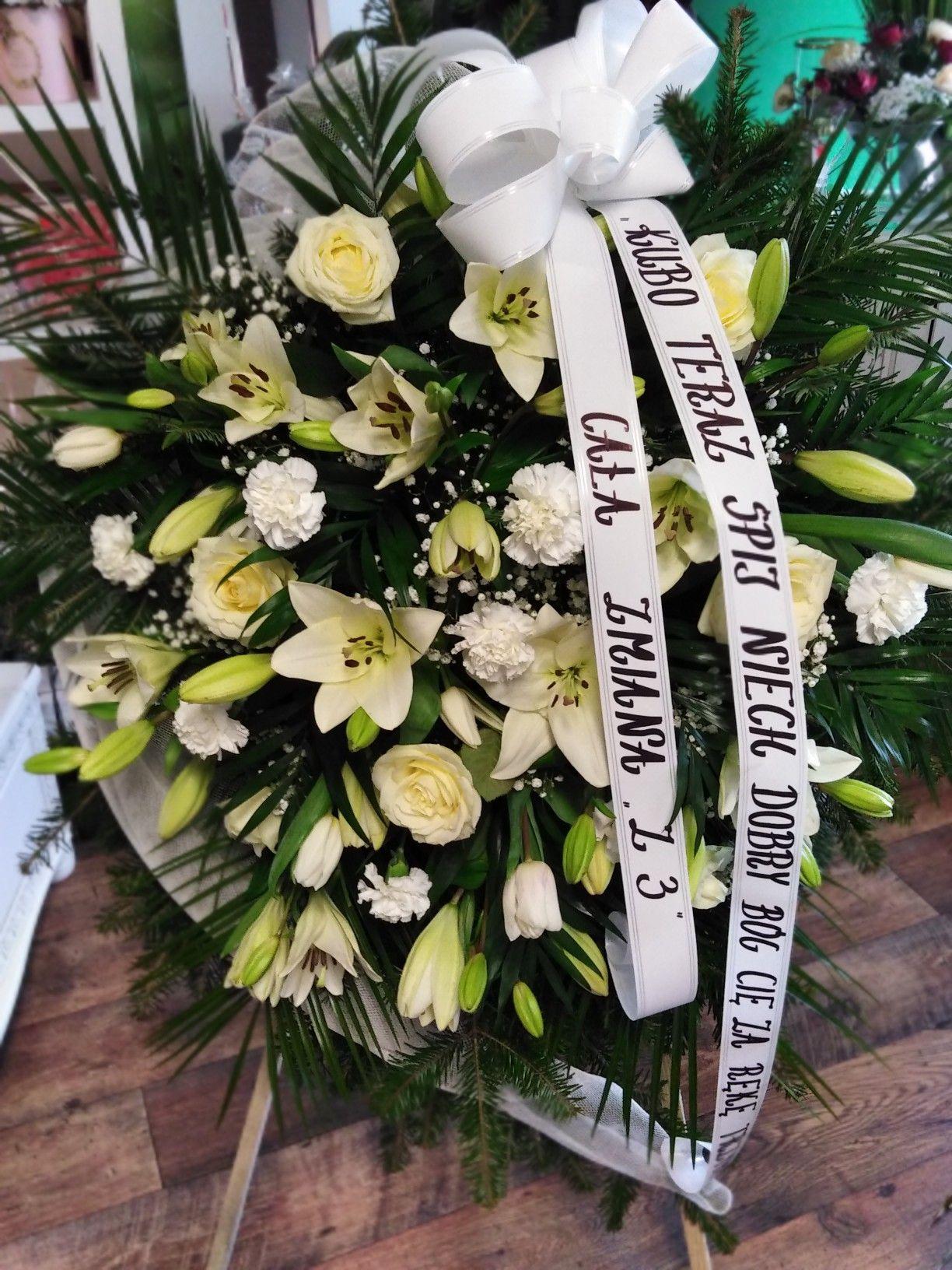 Wieniec Pogrzebowy Kwiaciarnia No Ladne Kwiatki Grapevine Wreath Grape Vines Wreaths