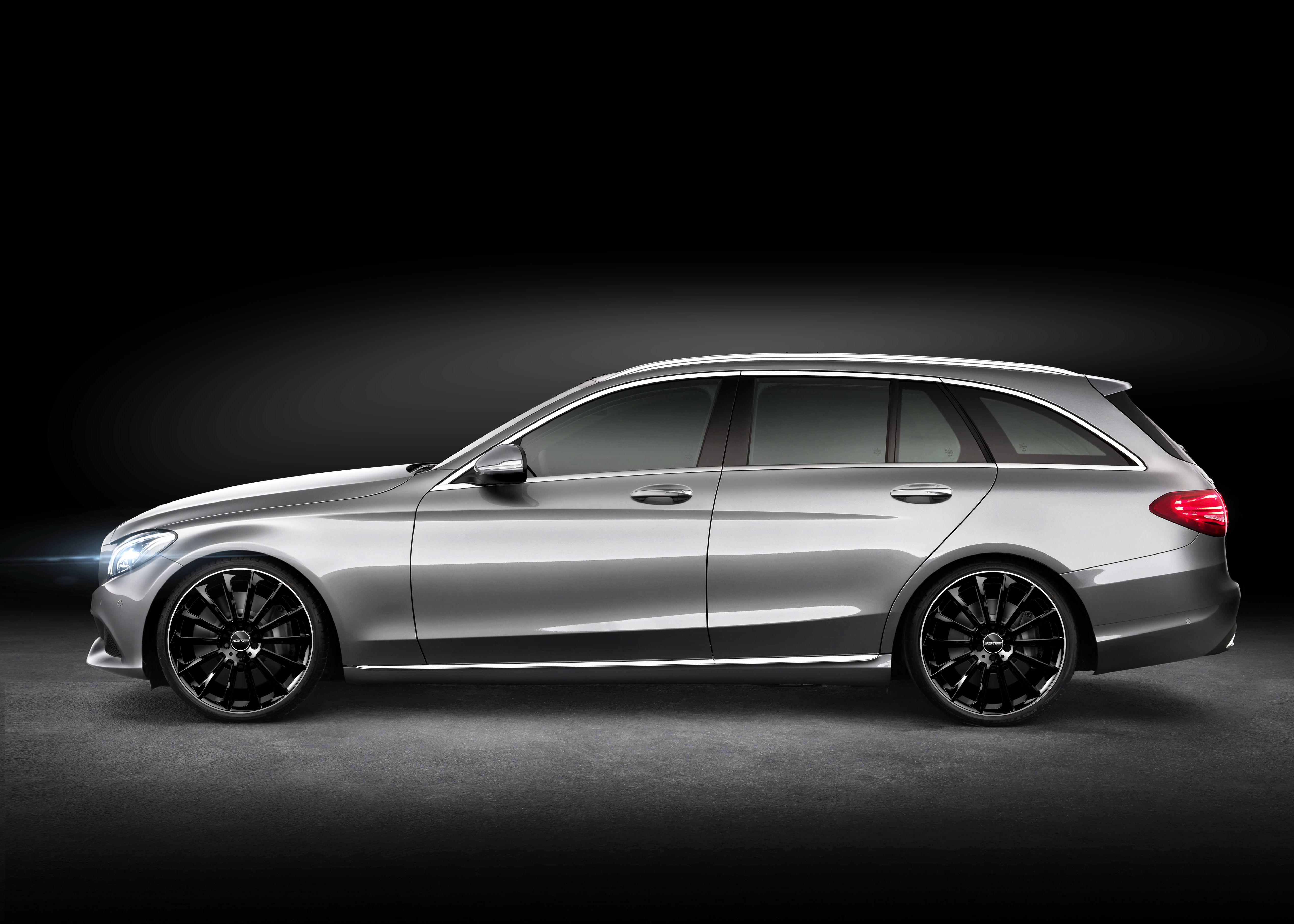 Mercedes benz c class station wagon with stellar black for Mercedes benz station wagon
