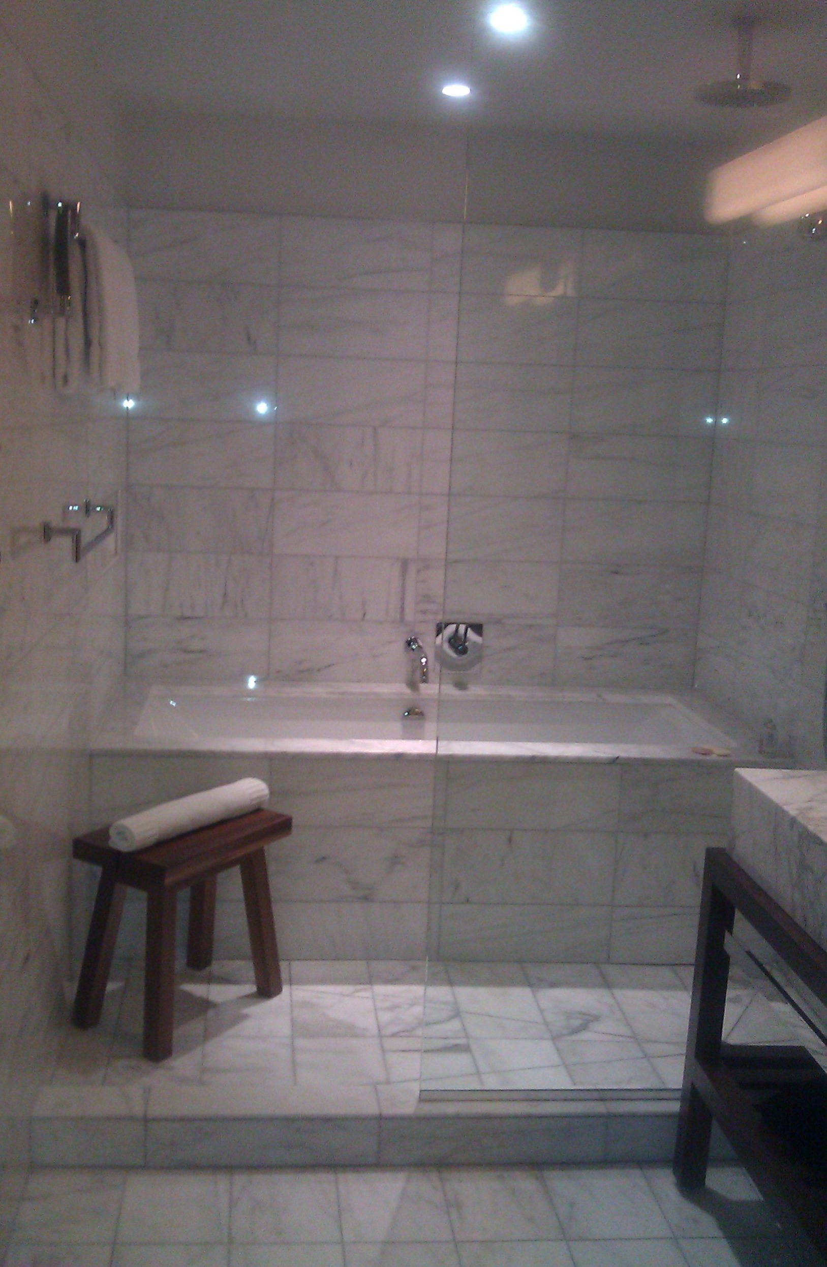 Tub with walk in shower replace bathroom reno for Bathroom ideas with tub