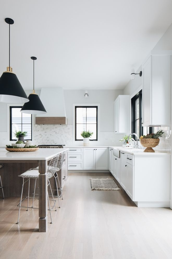 Black and White Modern Farmhouse Exterior | Kitchen design ...