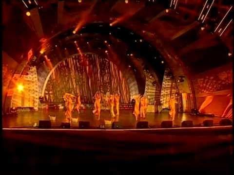 Выступление театра танца «Вертикаль»