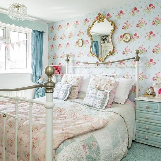 Country Bedroom With Blue Brilliant Floral Wallpaper Bedroom Ideas