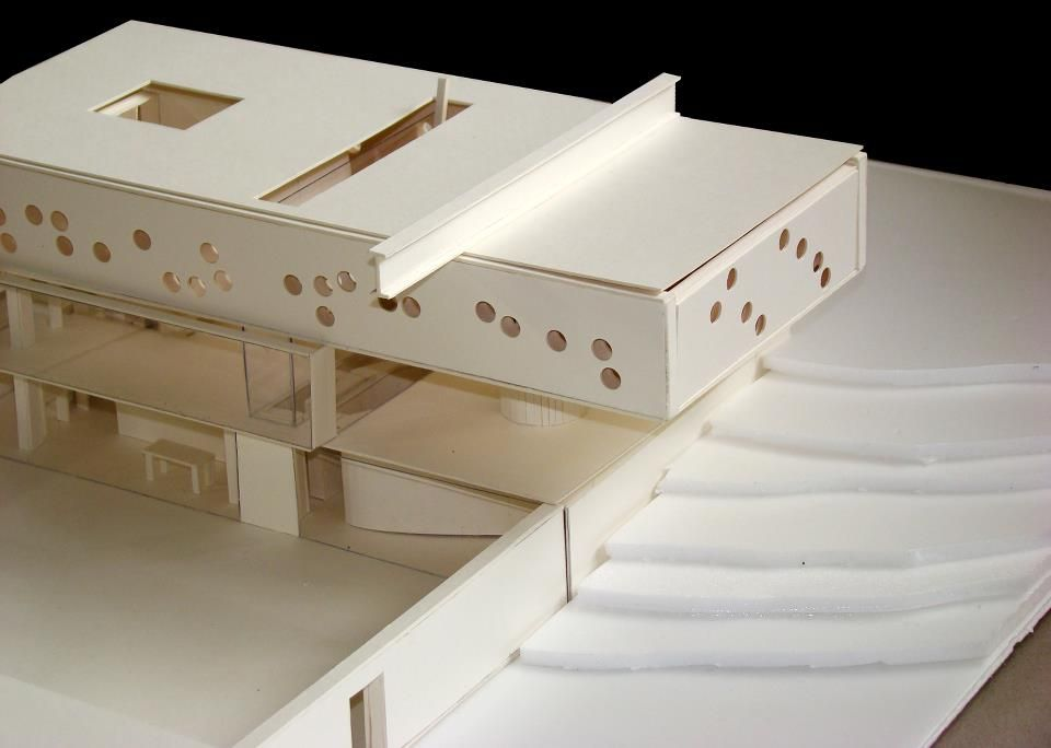 Rem koolhaas bordeaux house and pool model arch for Model architecture maison