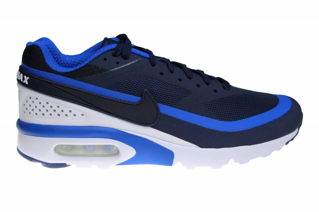 Nike Air Max BW Ultra voor heren, in het blauw met wit. Deze