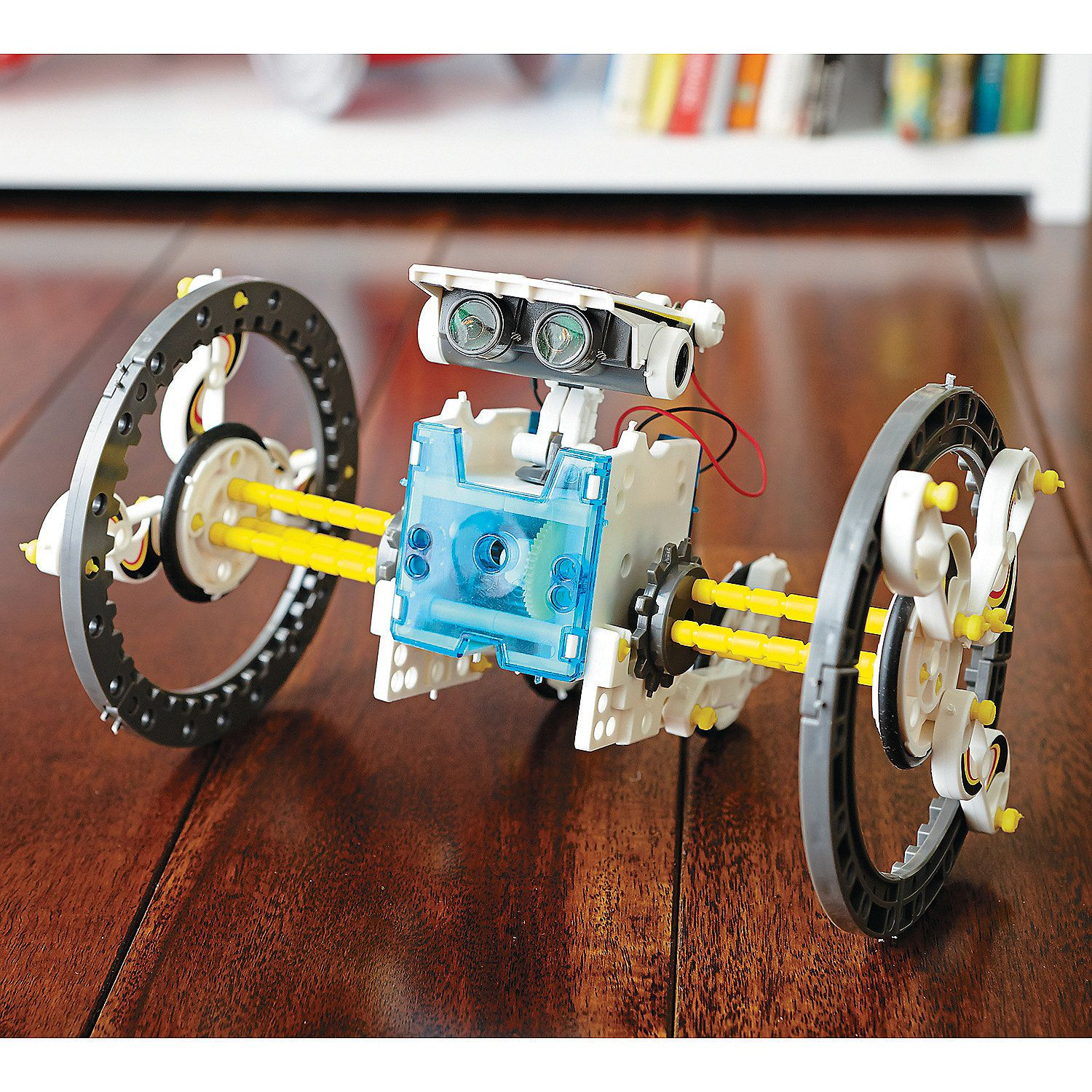 Complete. 14 in 1 Educational Solar Robot Kit Never Used