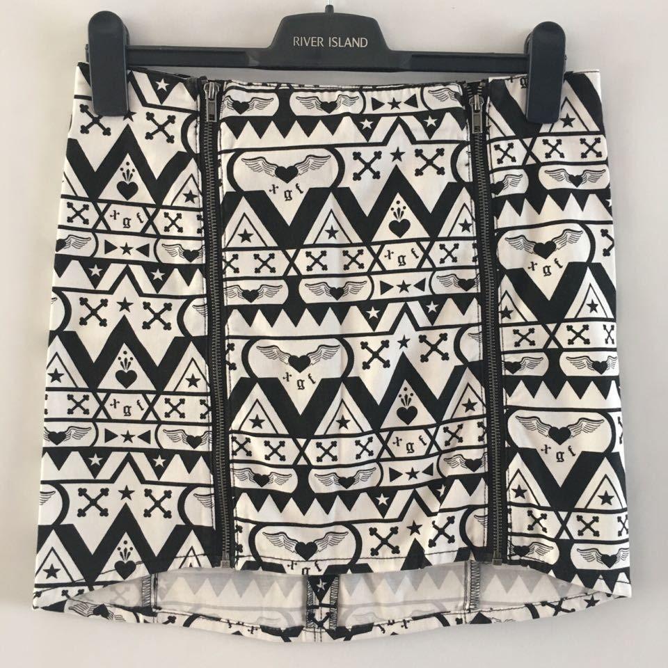 5b8e3e2474 Black White Pattern, Black And White, White Patterns, Size 12, Mini Skirts