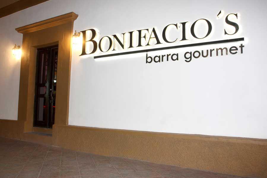 Bonifacio's Barra-Gourmet. Hermosillo, México. - y tu? Ya fuiste?...