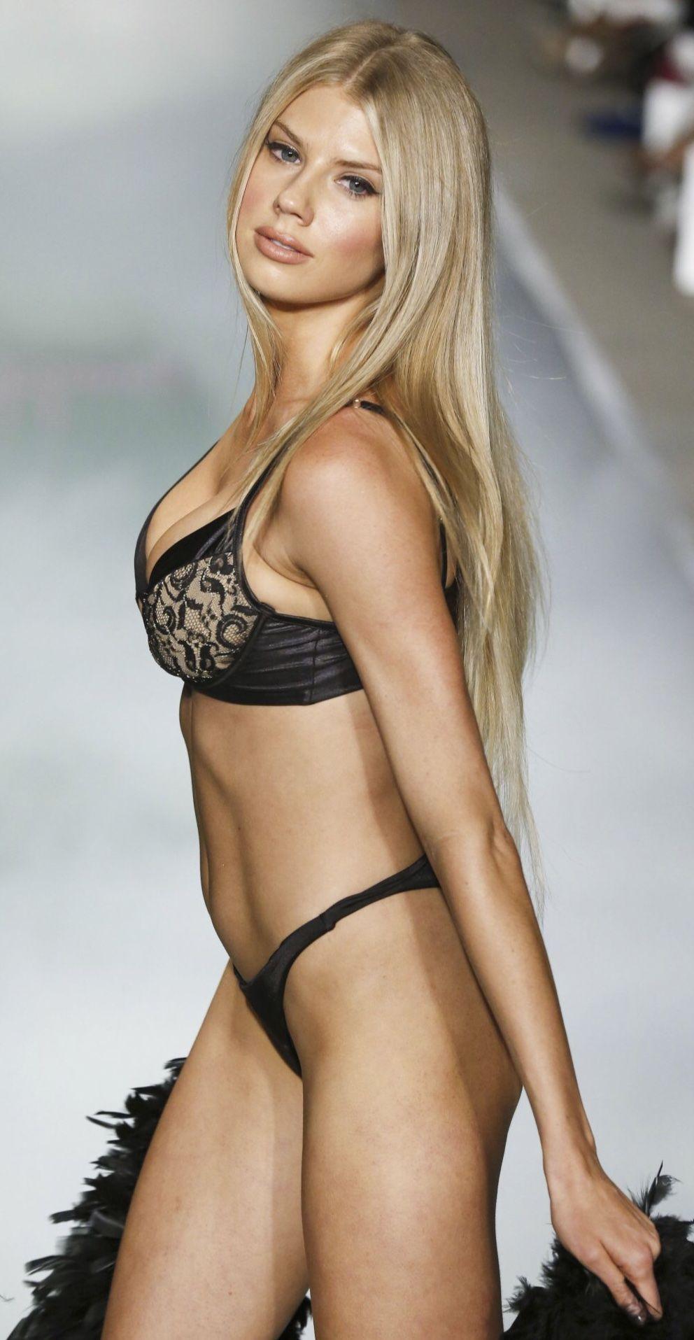 Charlotte McKinney's Tit Pops Out During Bikini Dance naked (47 photos), Twitter Celebrity photos