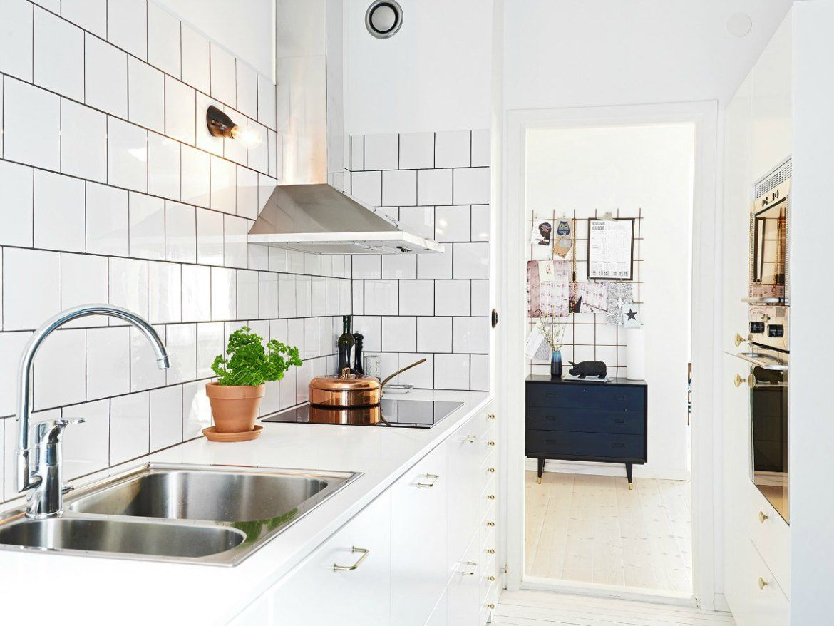 Expert Tips On Making A Small Kitchen Look Amazing  Black Grout Simple Small Kitchen Interior Design Images Decorating Inspiration