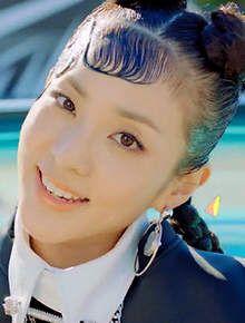 Sandara 3 Dara 2ne1 Visual Kpop Yg Beautiful Cute Mv Happy 4thbias Hair Styles Wet Hair Hair