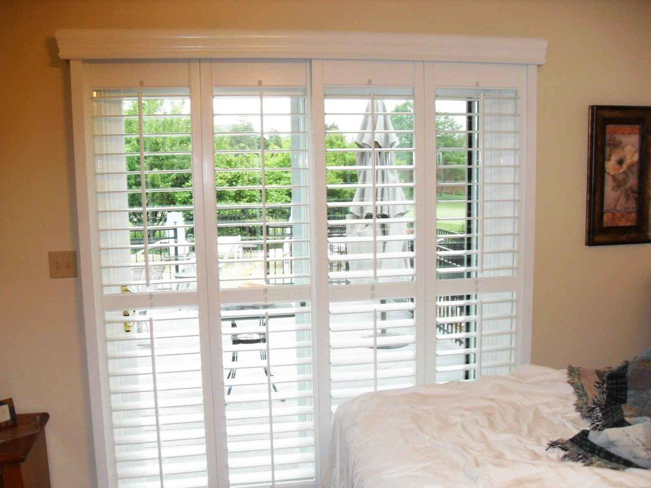 White Venetian Blind For Wooden Patio Door And Cream Painted Wall As Well Screen Doors Also Gl Remarkable Wood