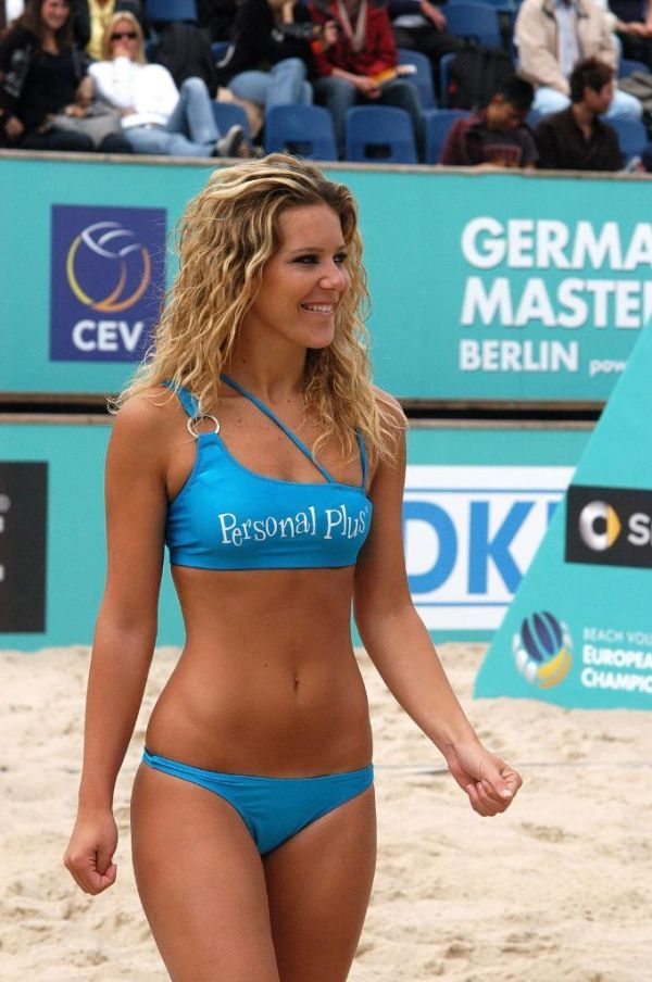 Volleyball bikini pictures — pic 2