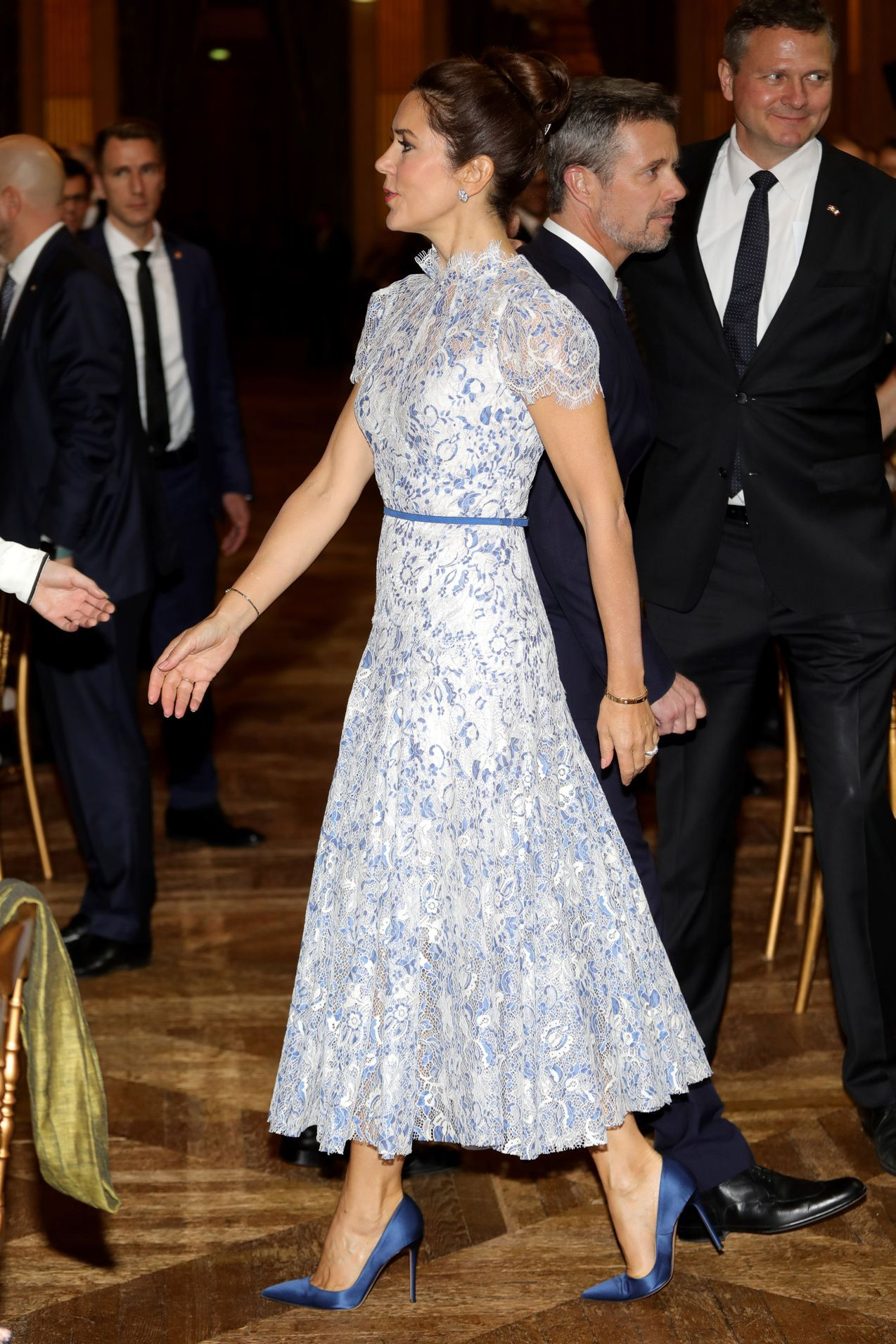 Princess Mary In Paris For Day Two Of Royal Tour With Prince Frederik 9honey Royal Wedding Dress Denmark Fashion Royal Dresses [ jpg ]