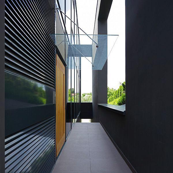 The Black House Facade In Zagreb Croatia Facade House Black House Architecture House