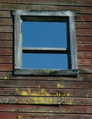How To Paint A Window Without Painting It Shut Ehow Old Window Frames Metal Window Frames Window Painting