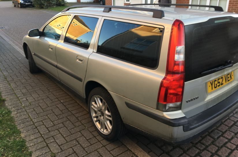 eBay: VOLVO V70 SE 2.4 Automatic for Repairs or Spares Engine Issue
