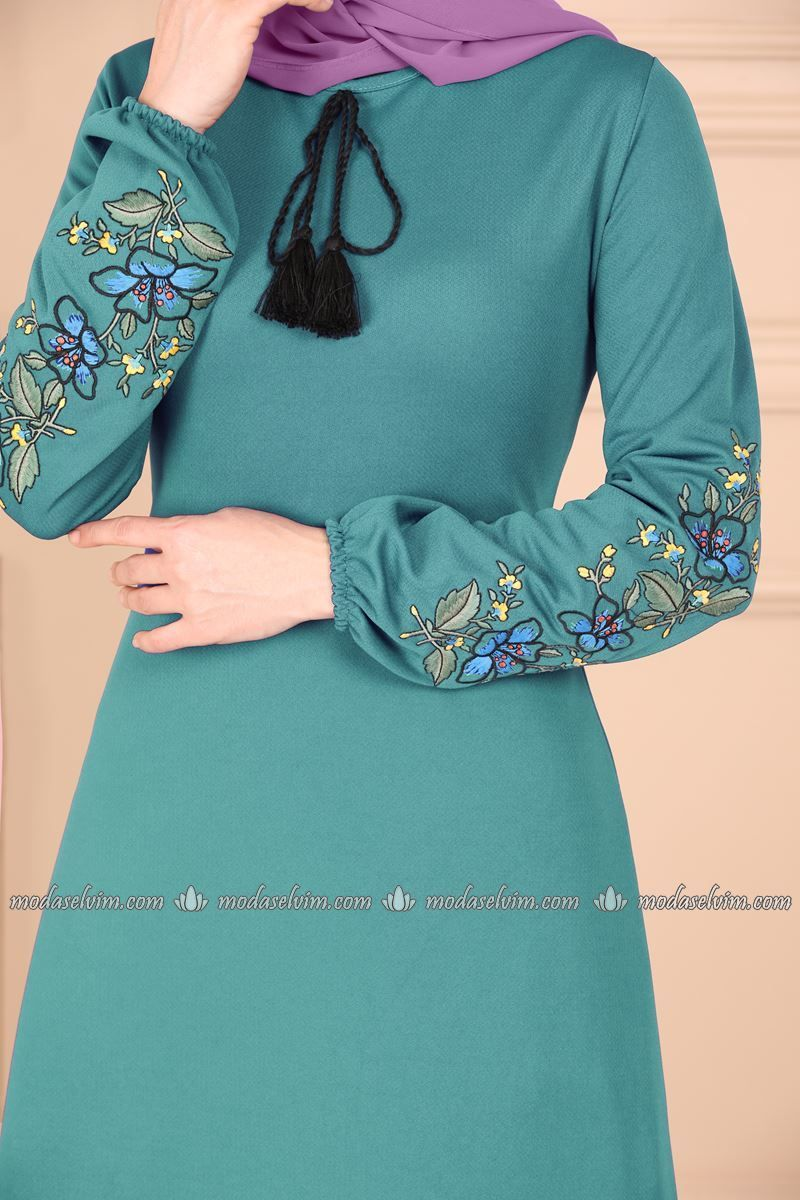 Moda Selvim Kollari Nakisli Puskullu Elbise Ukb3006 Mint Moda Kiyafet Elbise
