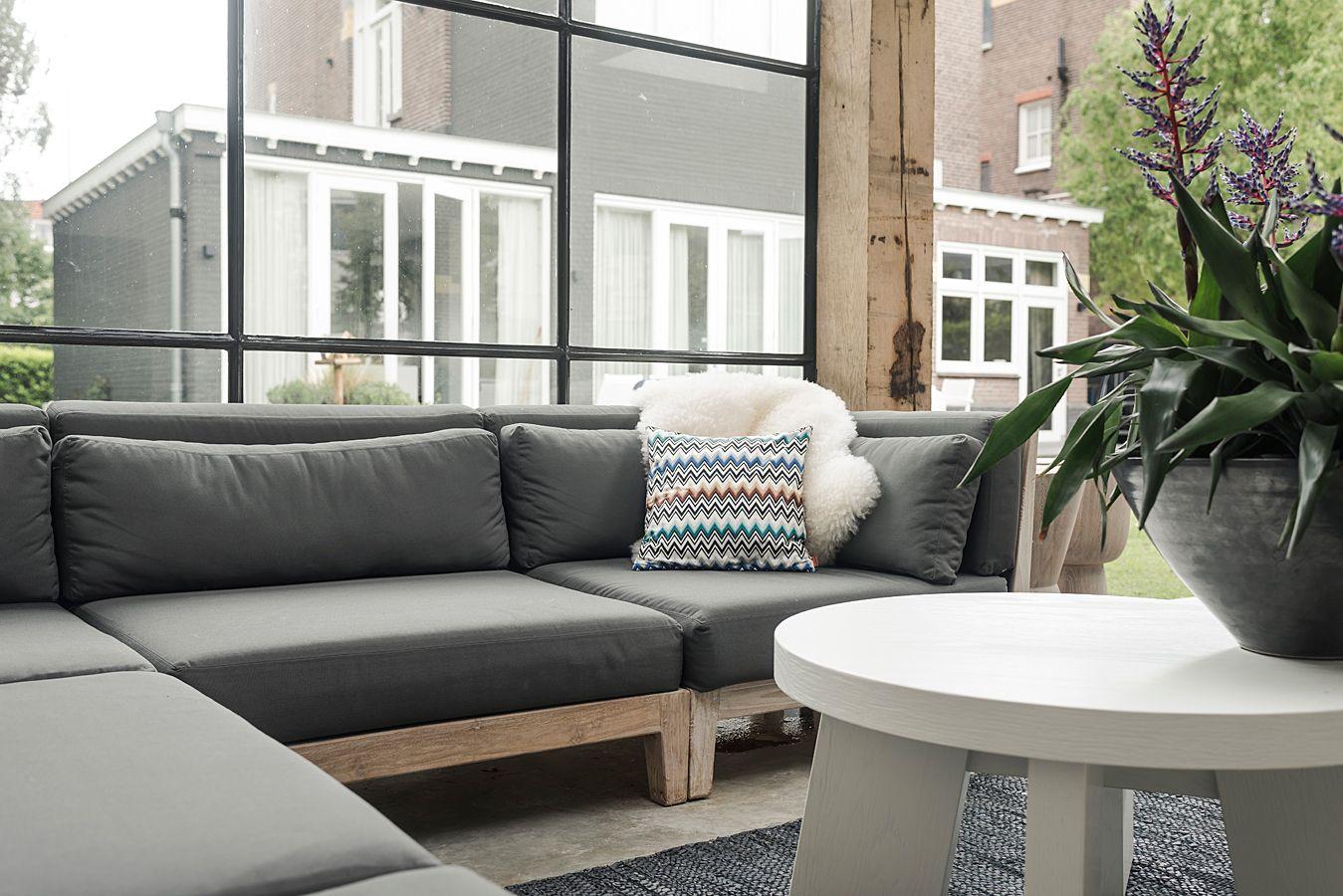 Modulair loungeset uitgevoerd in gerecycled teak uit de royal design collectie het witte - Witte design lounge ...