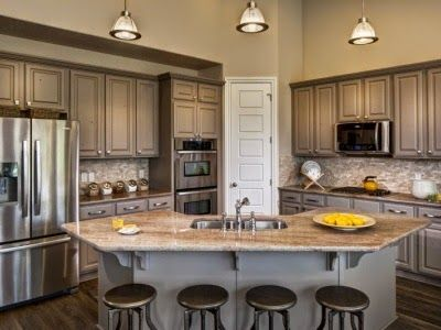 Hello I Have A Treat For Us Today We Re Looking At A House That Is Still Being Built In Georgetown Kitchen Layout Kitchen Layouts With Island Small Kitchen