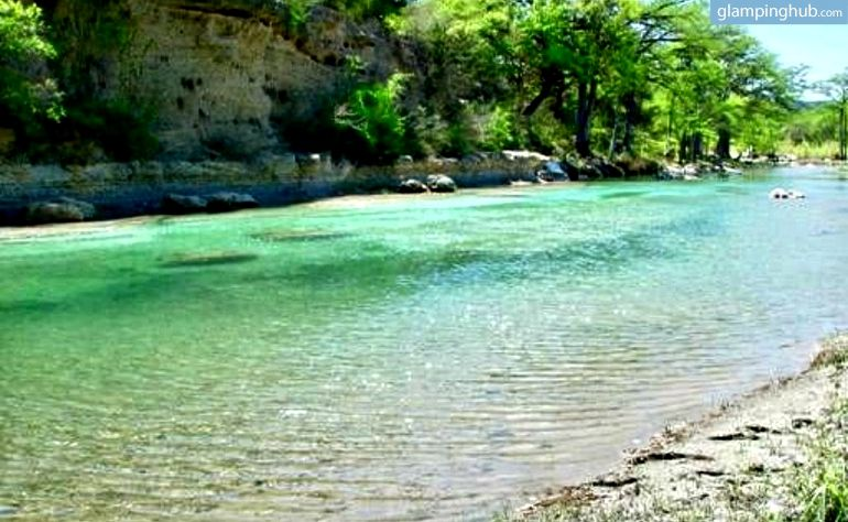 River Gate Cabins 1 2 Cabins In Texas Cabin Frio River Texas